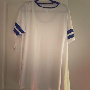 White tee shirt with navy stripes